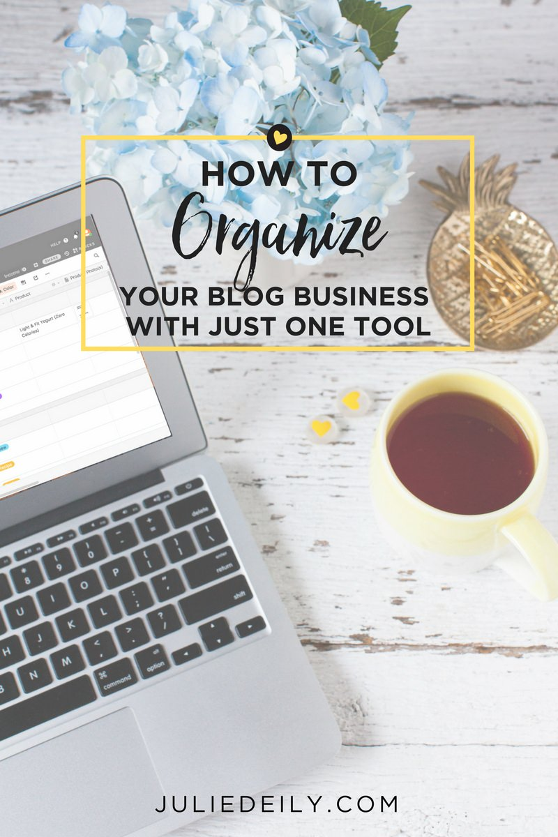 Here's how I've organized my blog business with this ONE tool juliedeily.com